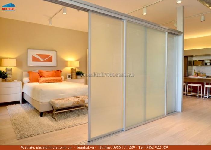 Cửa kính lùa phòng ngủ