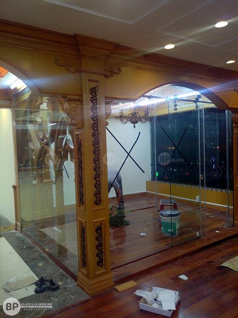 Cửa lùa kính tầng 4, Tòa 25T2 NO5 Nguyễn Thị Thập