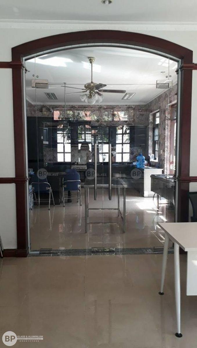 Lắp cửa kính thủy lực tại số 34 Ngô Quang Huy, HCM