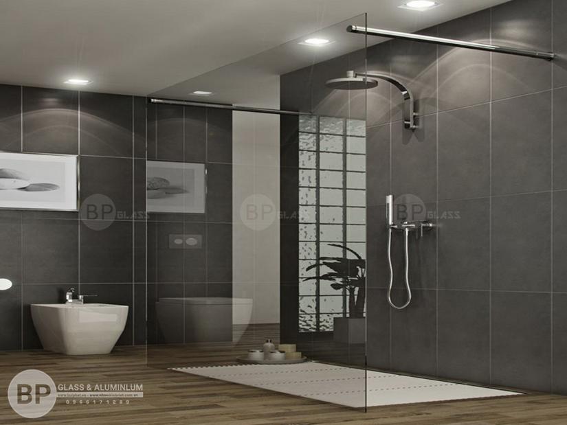 Đặc tính trong suốt của kính phòng tắm mang lại không gian hiện đại sang trọng nhất