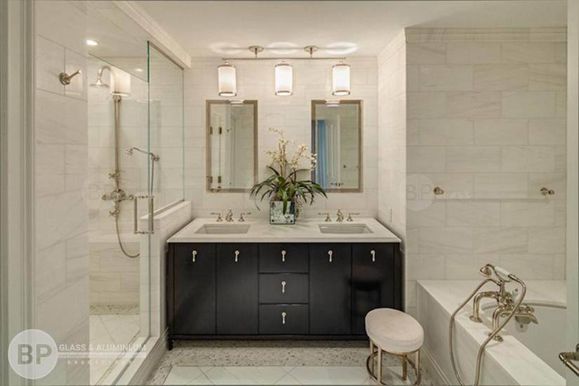Làm sạch vách kính phòng tắm an toàn với 1 phút – tin được không?