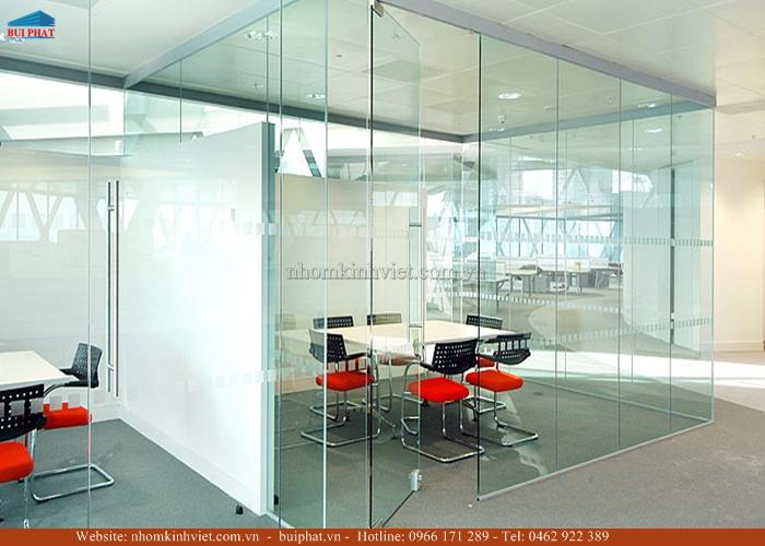 Cửa kính văn phòng