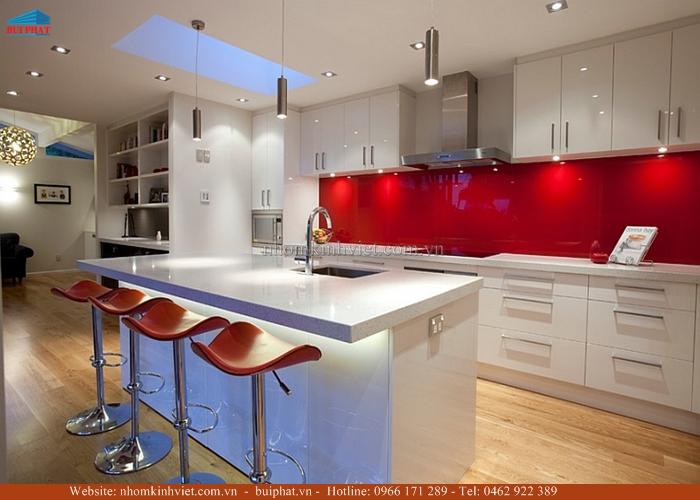 Kính ốp bếp màu đỏ KOB21