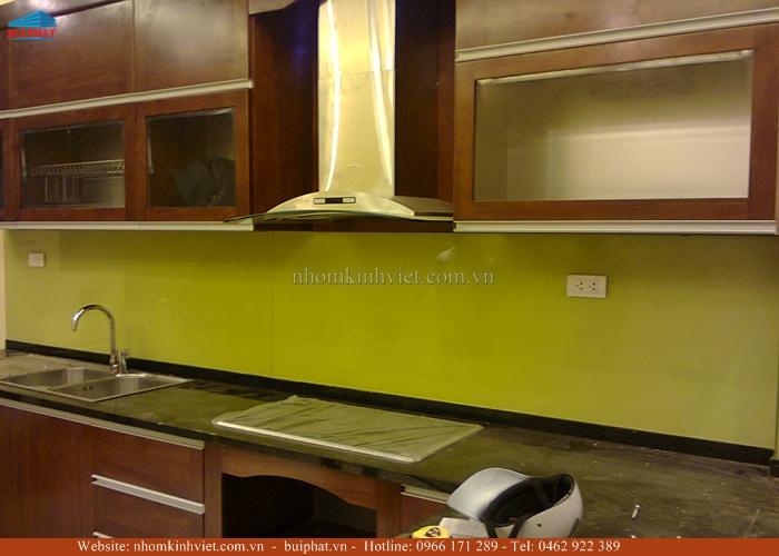 Kính ốp bếp màu vàng chanh KOB13