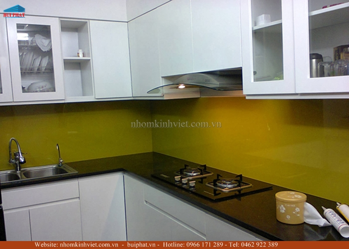Kính ốp bếp màu vàng thư KOB14