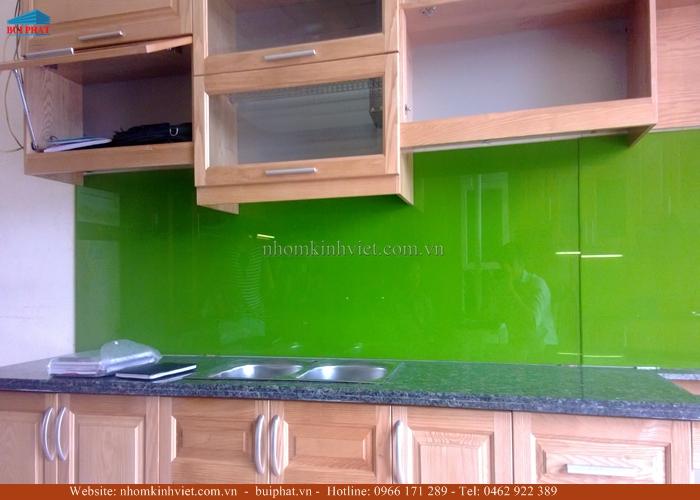 Kính ốp bếp màu xanh lá KOB11