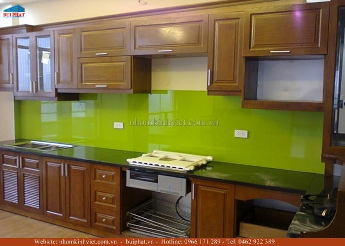 Kính ốp bếp màu xanh non KOB09
