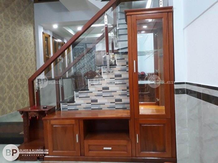 Lắp cầu thang kính cường lực 515 Lý Thường Kiệt, Tân Bình