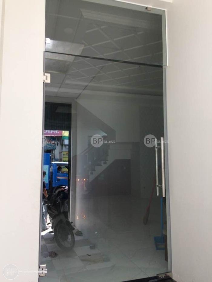 Thi công cửa kính tại số 368B Đường Số 8 Phường 11 HCM
