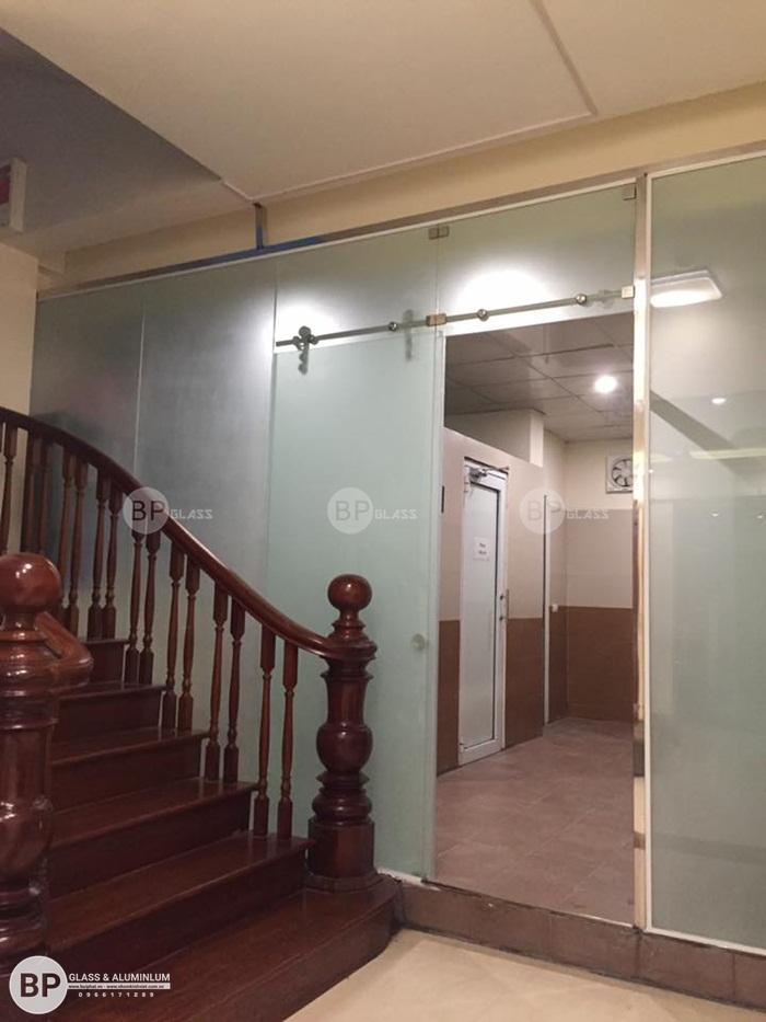 Lắp cửa kính, vách tắm kính, mái kính tại Văn Khê, Hà Đông