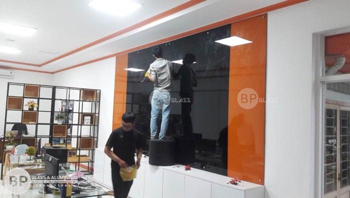Lắp cửa kính, vách kính cho Hội Trường Sơn Đại sứ quán