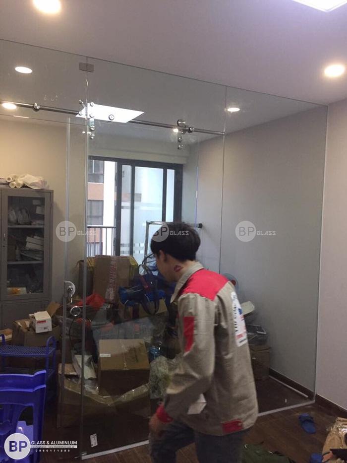 Lắp cửa lùa phi 25 nhà chị Như số 25 Kim Giang