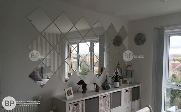 Gương nghệ thuật cho phòng khách chung cư Dương Nội