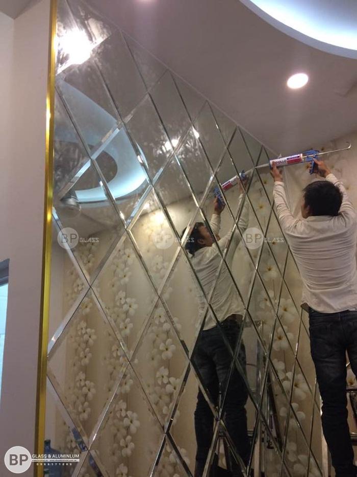 Lắp gương ghép ô trang trí cho Tổng công ty Trực Thăng VN