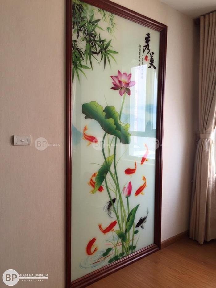 Gương soi toàn thân kiểu đứng, tranh gương tại Phạm Hùng