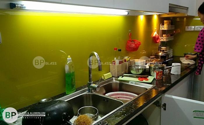 Làm kính dán bếp đẹp giá rẻ tại số 304 Hồ Tùng Mậu, Từ Liêm