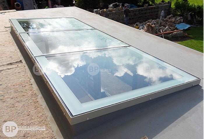 Thi công lắp đặt mái kính giếng trời tại nhà Bác Hòa Nhổn