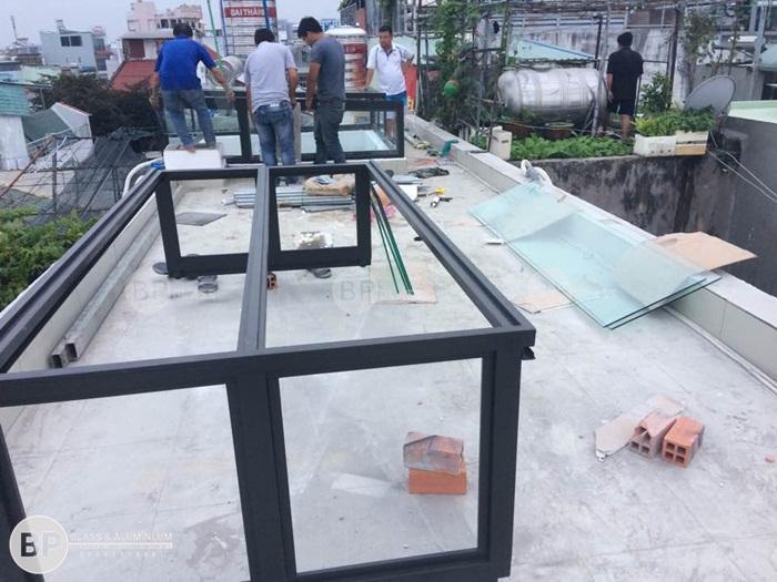 Lắp mái kính tự động số 984 Nguyễn Kiệm Quận 3, HCM