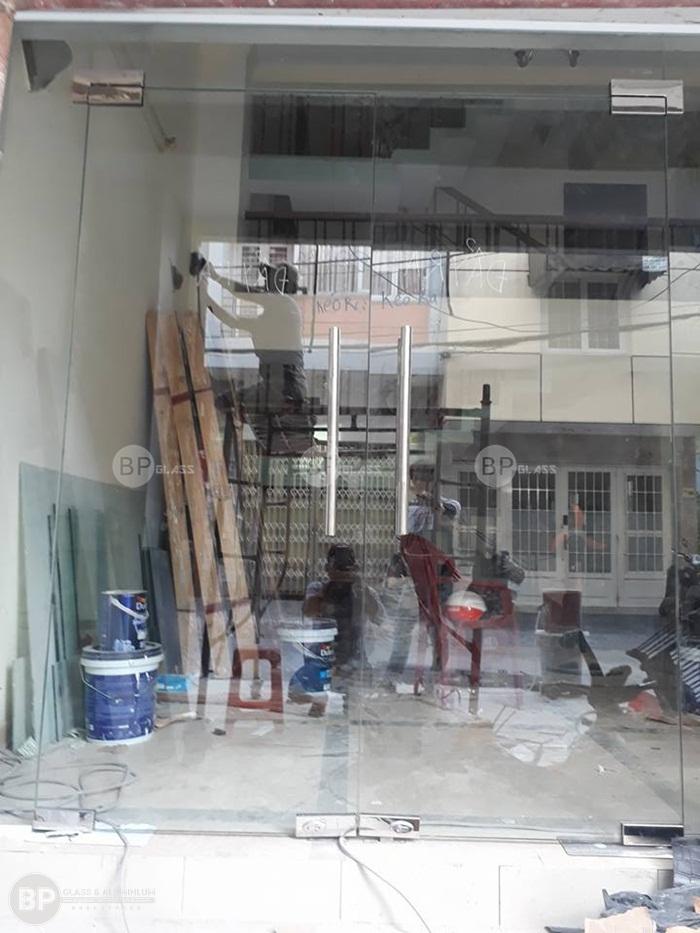 Thi công cửa thủy lực giá rẻ tại quận 11 hồ Chí Minh