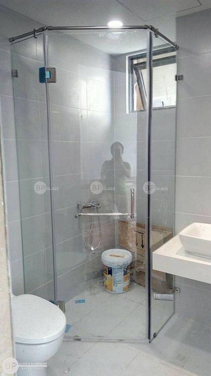 Lắp vách kính cường lực phòng tắm tại Chung cư The Gold View