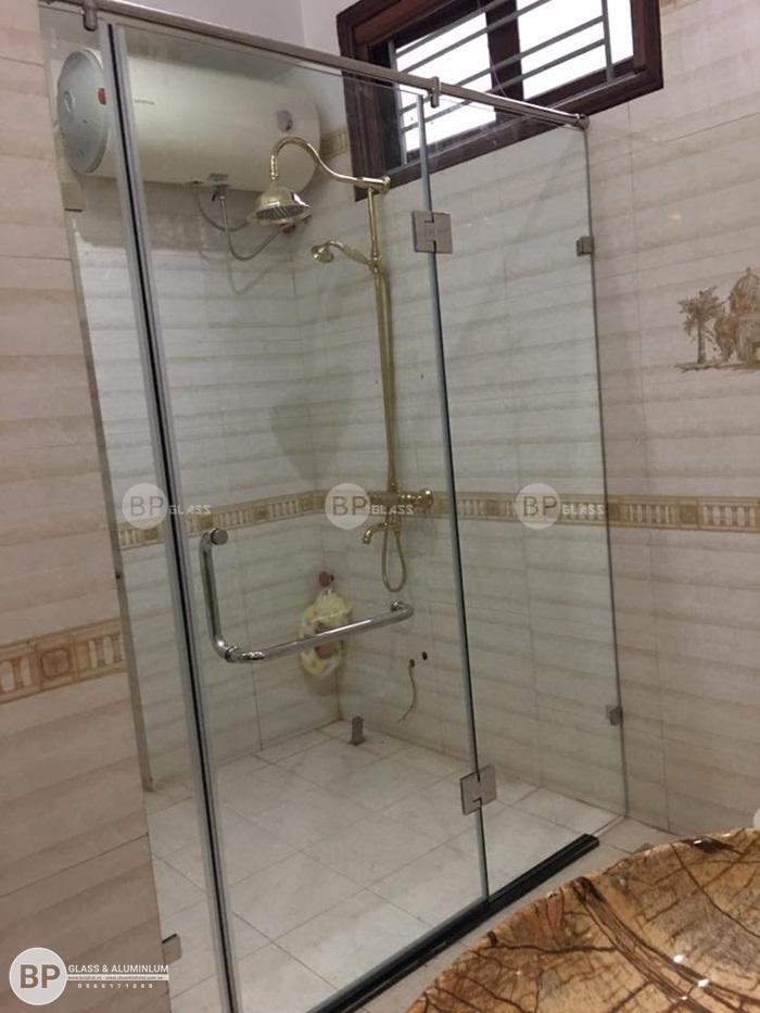 Mẫu phòng tắm kính đẹp lắp tại nhà anh Tiến Kđt Pháp Vân