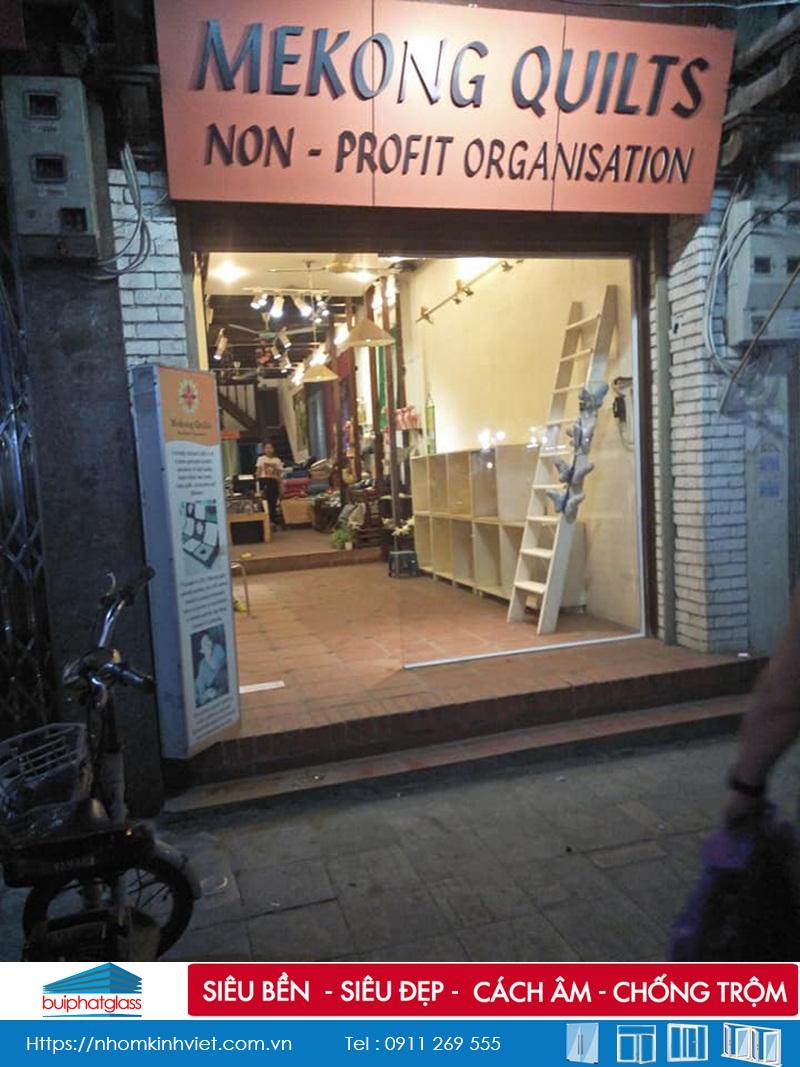 Cửa kính tại Công Ty MêKong Quits số 13 Hàng Bạc