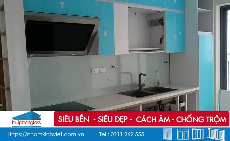 Công trình cửa trượt, kính bếp, vách tắm số 79 Lê Văn Lương