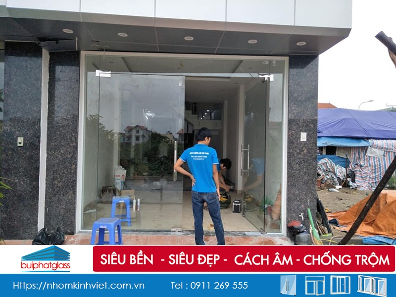 Lắp cửa kính mặt tiền phụ kiện adler tại Đông Dư, Gia Lâm HN
