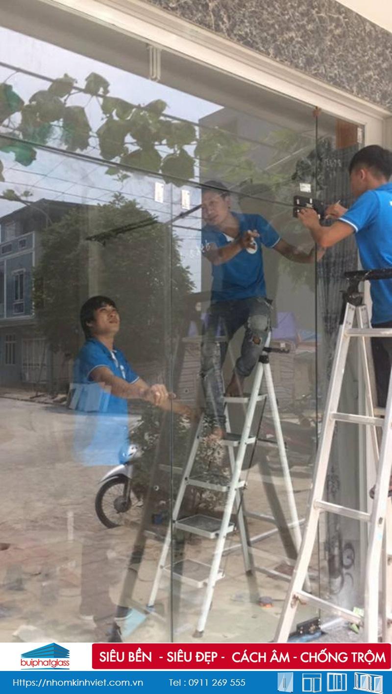 Thi công cửa kính thủy lực bản lề sàn tại Đô Nghĩa, Cầu Giấy