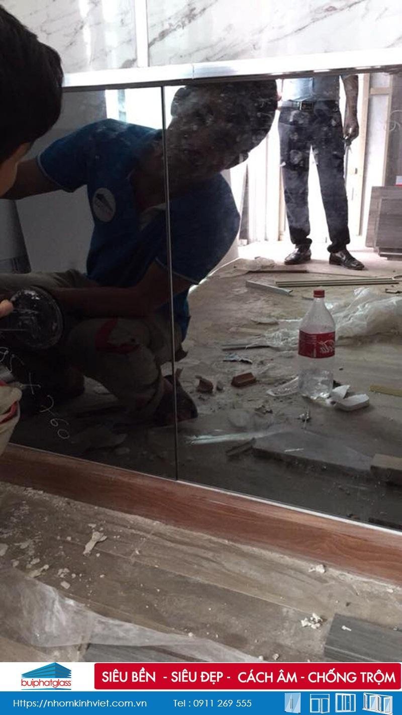 Gương màu thủy khói dán tường bếp tòa Season Kđt Mỗ Lao