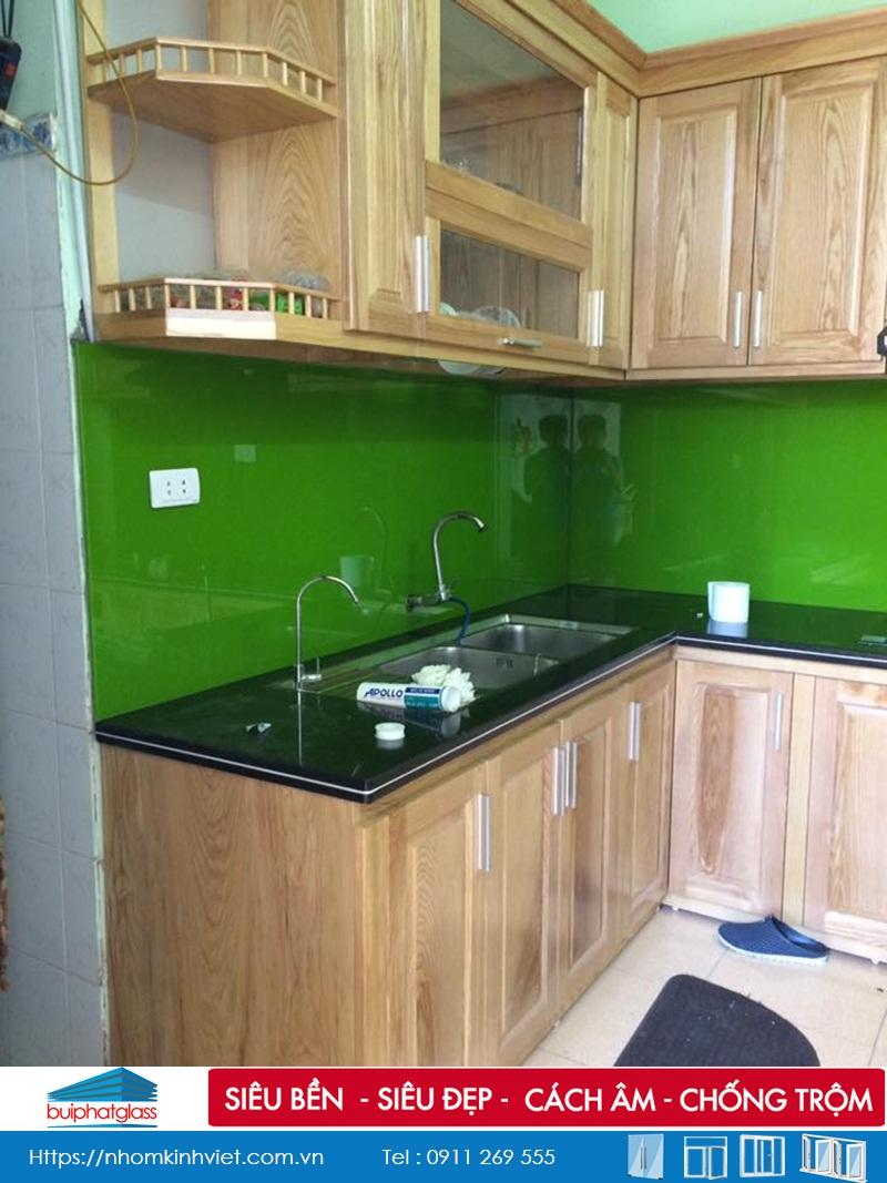 Kính bếp màu xanh lắp cho nhà anh Đê Kđt Nam An Khánh