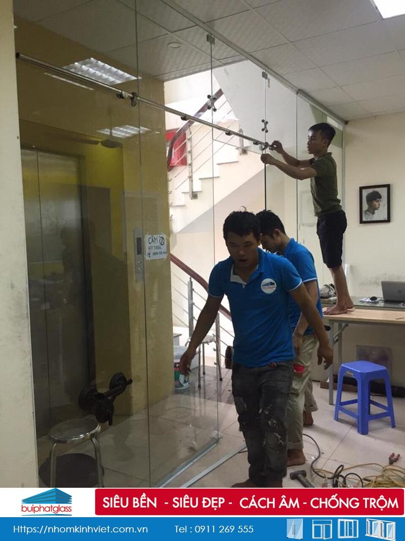 Thi công vách cửa lùa phi 25  tại số 36 Đại An Nguyễn Trãi