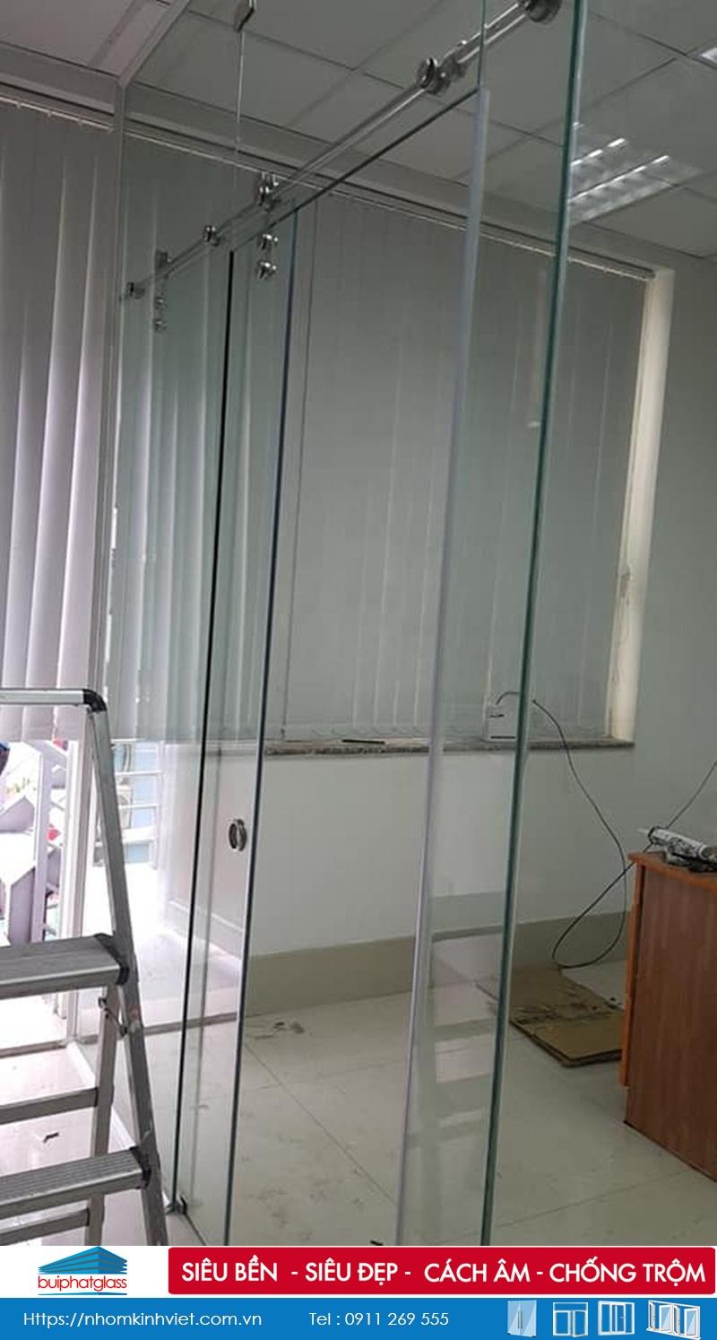 Công trình vách kính chống nóng tại khu B R6 Royal City