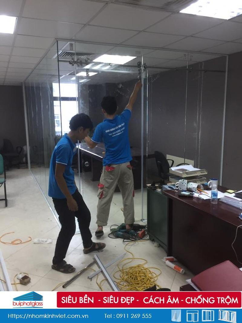 Lắp đặt vách kính cường lực văn phòng chị Mai Trần Thái Tông