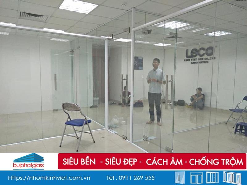Thi Công vách kính ngăn văn phòng Leco Việt Nam 165 Bà Triệu