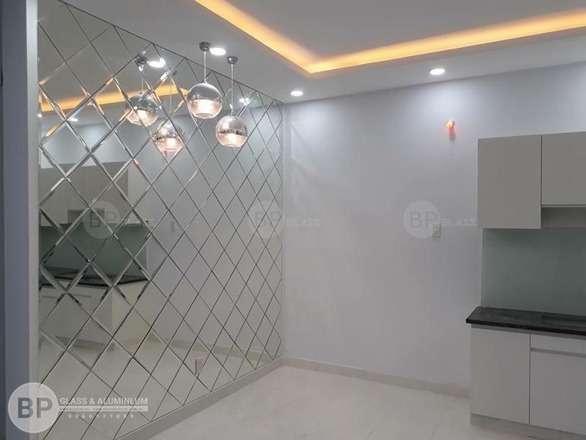 Hoàn thiện gương trang trí phòng ăn cho nhà anh Hòa Kim Mã