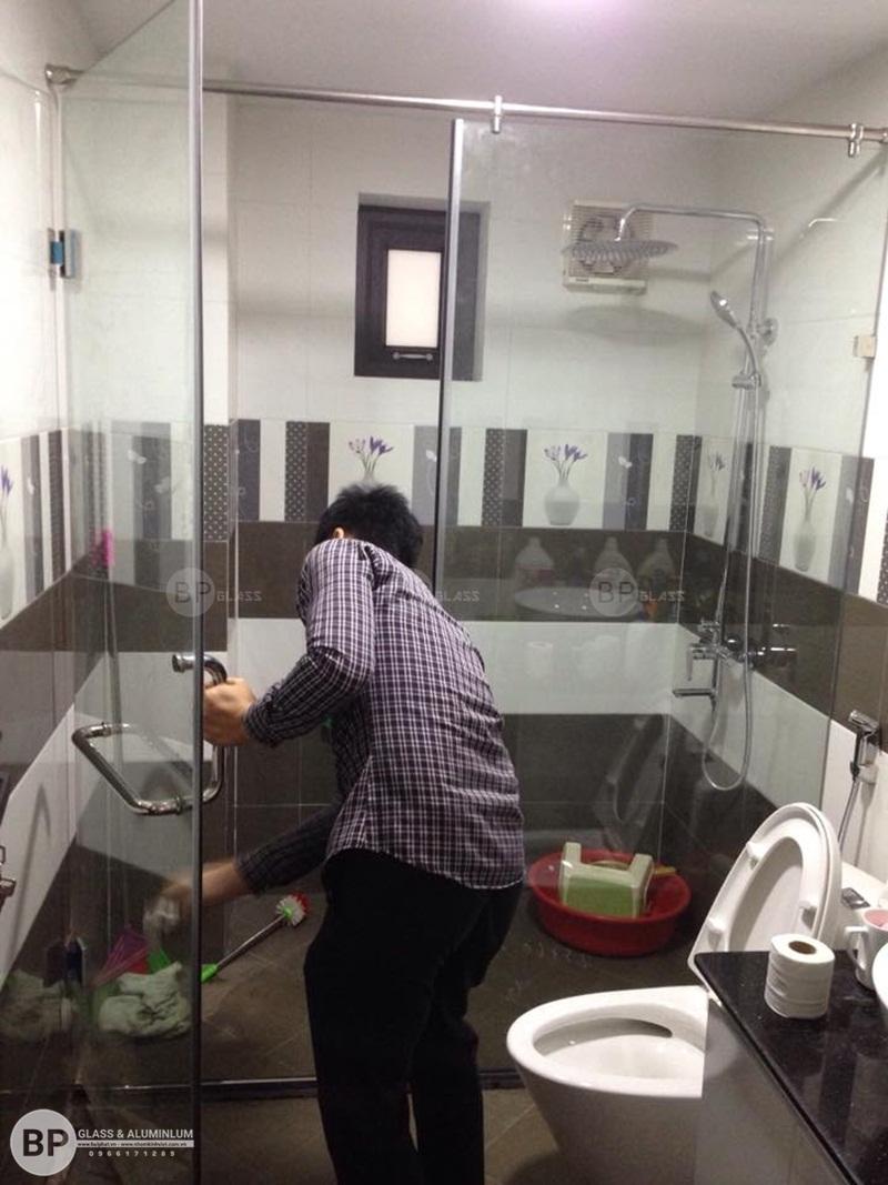 Lắp phòng tắm kính cường lực đẹp chuẩn cho chị Ly Bắc Ninh