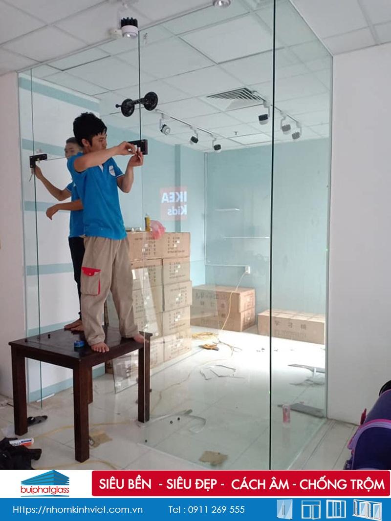 Lắp cửa cho chị Thái Trung Kính Giá Trọn Gói