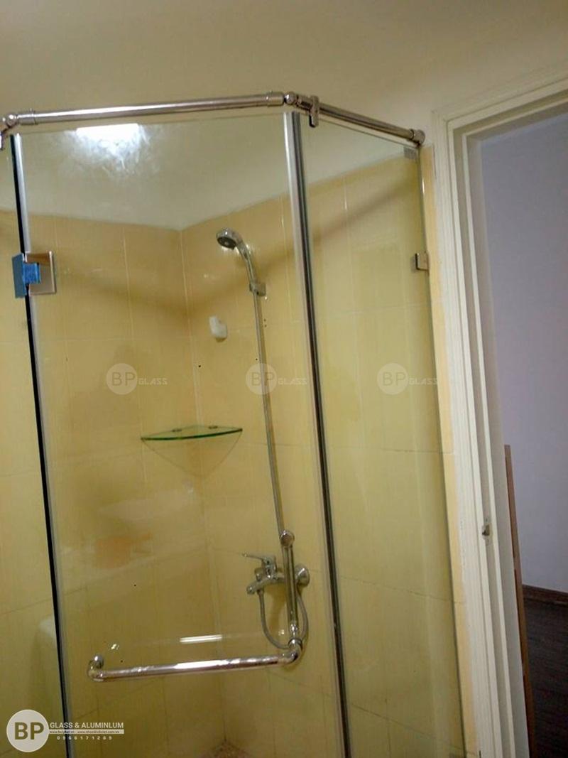Thi công vách kính nhà tắm 368 Quang Trung Hà Đông