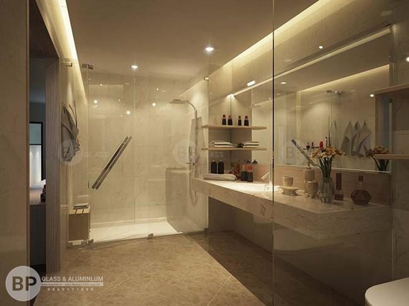 Vách tắm kính giúp thể hiện nền gạch lát đẹp của phòng tắm cũng như thiết kế hợp thời trang