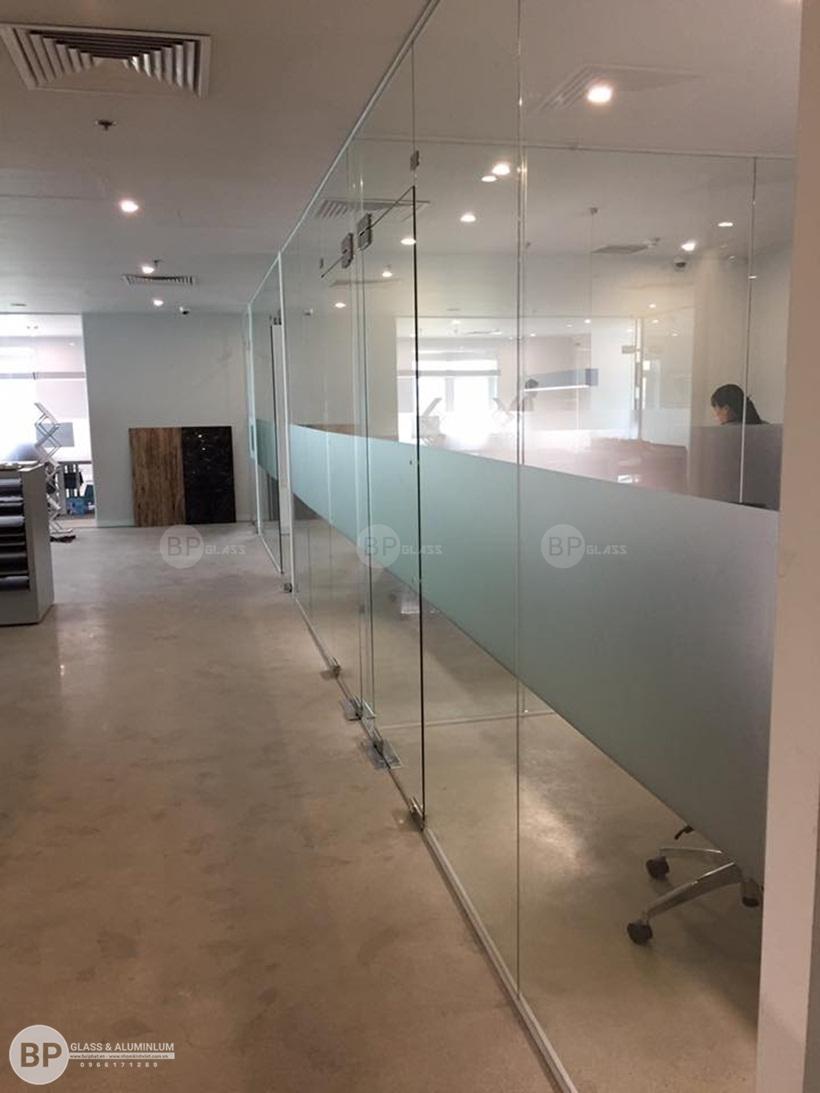 Vách kính ngăn văn phòng Luxury Tầng 3 Tôn Thất Thuyết