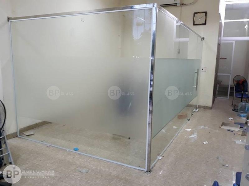 thi công vách kính văn phòng tại 150 Trần vĩ