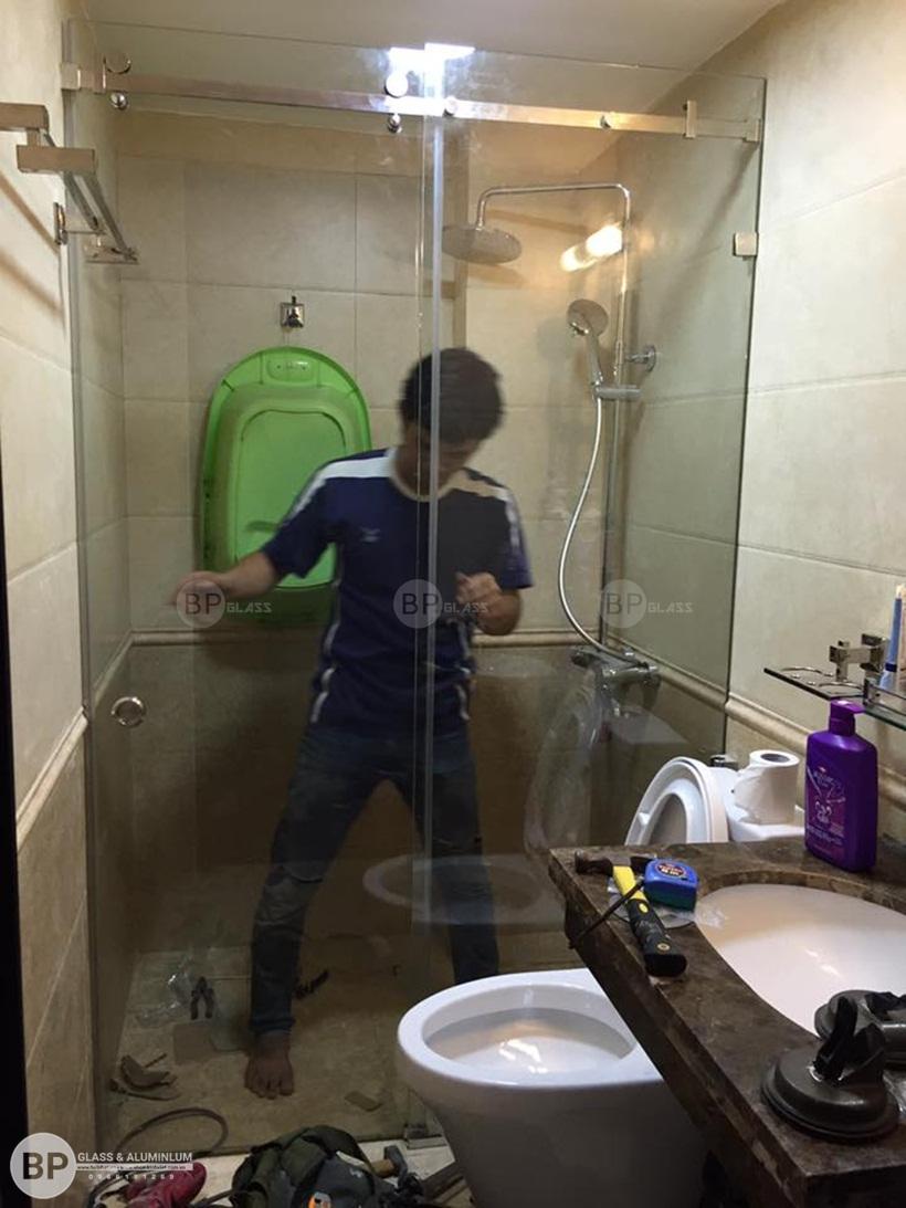 Lắp vách tắm kính 10x30 tại Ngõ 38 Xuân La buiphat.vn