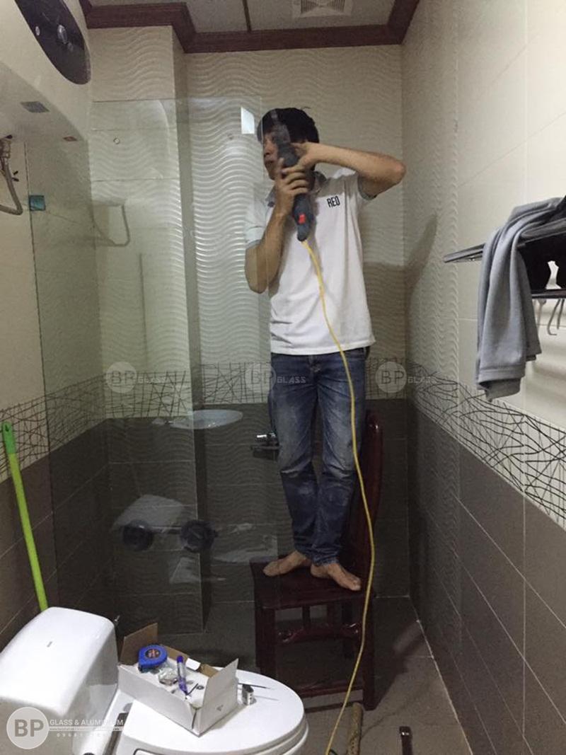 Lắp Vách tắm kính lùa AMG tại số 1 NV3 Kđt Yên Xá