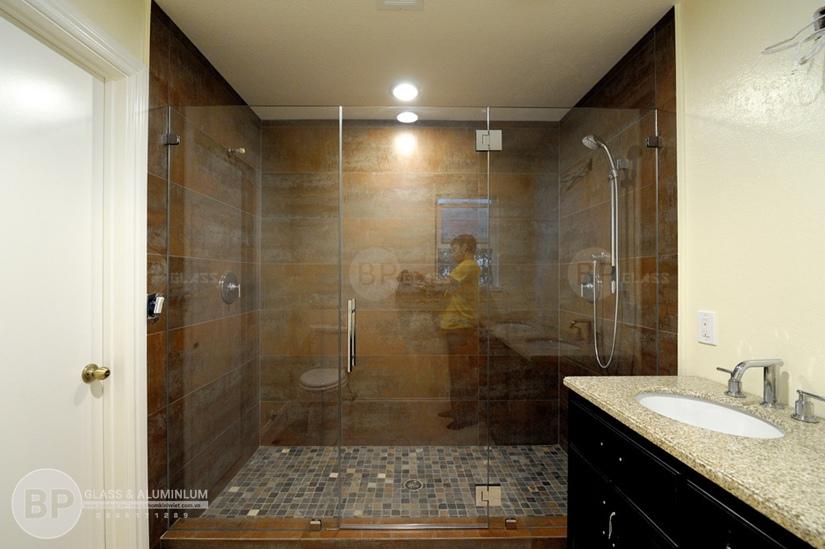 phong tam kinh gia bao nhieu , mẫu phòng tắm kính đẹp